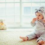 kiedy dziecko zaczyna siadać ?